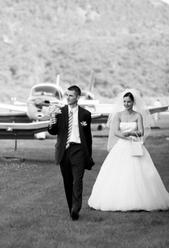 wedding_in_airport